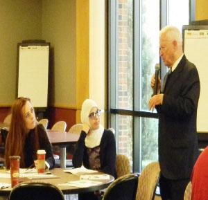 Livonia Mayor delivers at leadership workshop