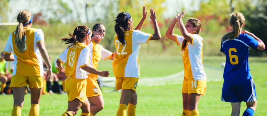 Women's soccer clinches MCCAA Championship, extend perfect record