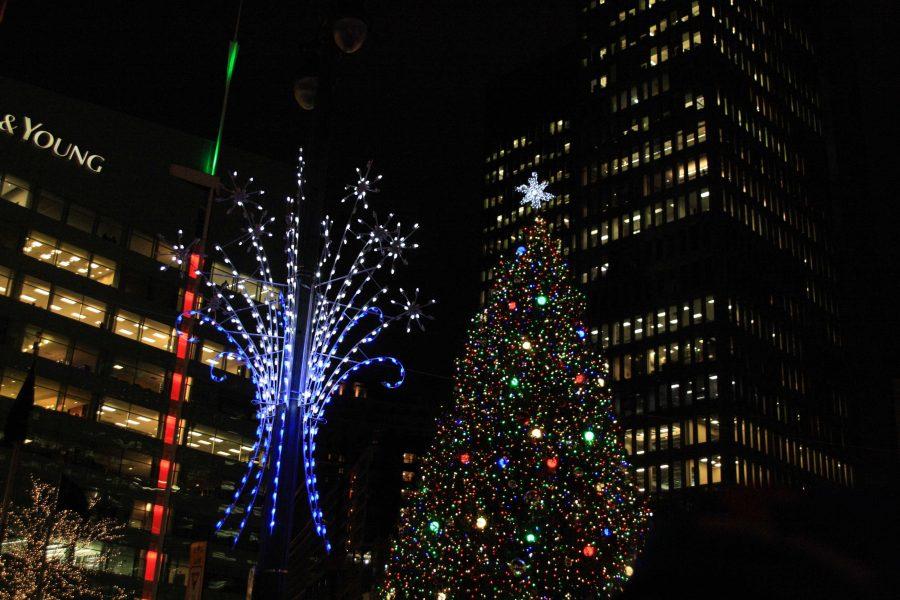 Lighting+up+the+holiday+season