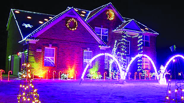 OurDancingChristmasLights-OaklandCountyMoms[1]
